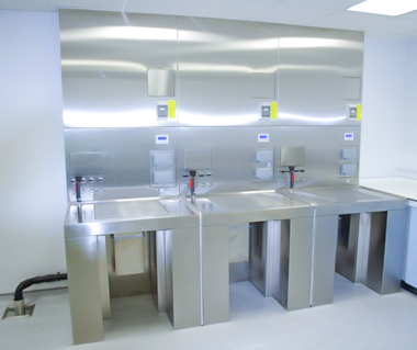 ventilated-tables-3-station